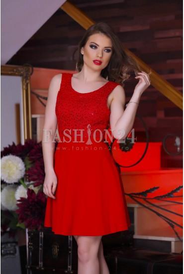 Rochie Red Portrait